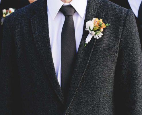 come scegliere un abito per un invitato al matrimonio?