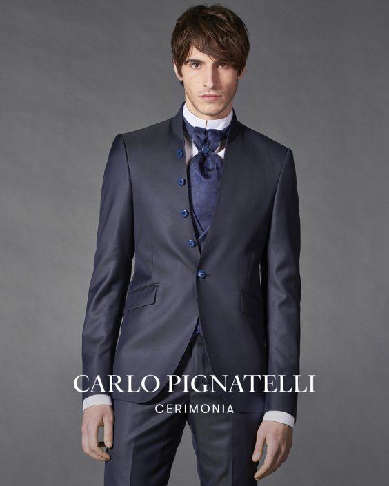 abito coreano blu scuro. Carlo Pignatelli 2022
