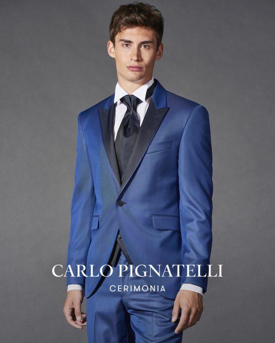 abito da sposo collezione 2022 blu con lancia nero.